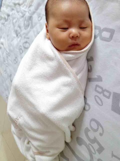 宝宝洗澡哭时的哄娃神器图片